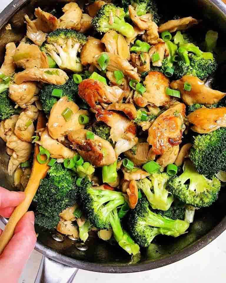 Whole30 chicken and broccoli stir fry