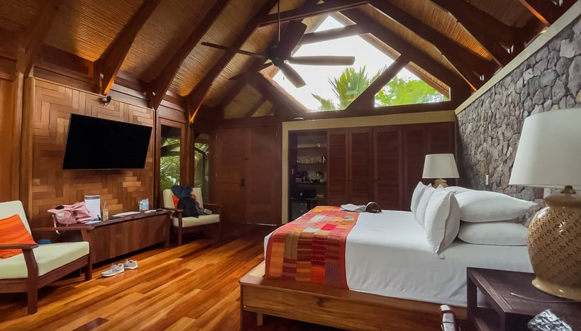 King room at Amor Arenal hotel