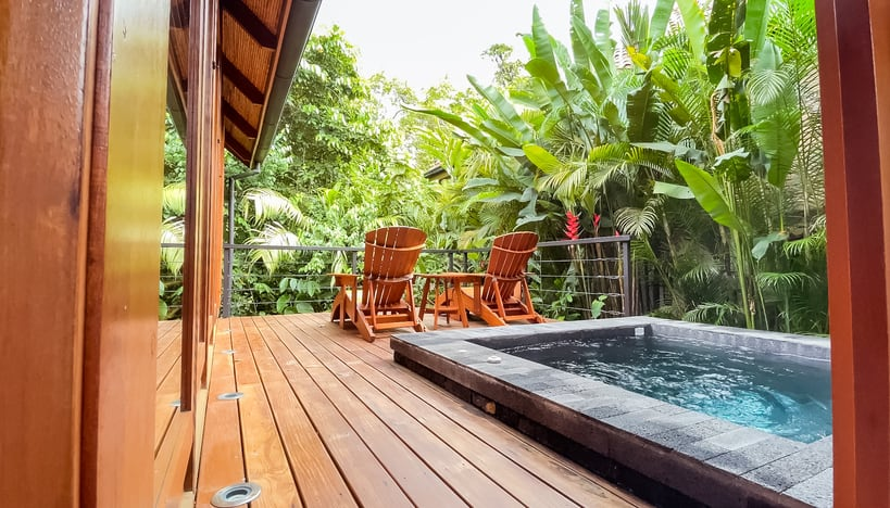 private deck and plunge pool at Amor Arenal